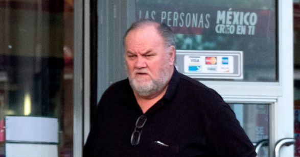 Thomas-Markle-father-of-Meghan-Markle-is-seen-running-errands-near-his-home-in-RosaritoMexico
